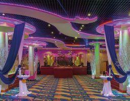 Sokha Bokor Thansur - Leuchtende Hotel Fotografie von T. Haberland