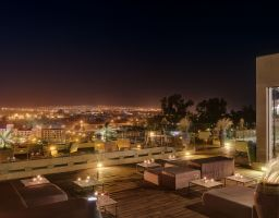 Hotel Sahrai Fes Marokko - Leuchtende Hotel Fotografie von T. Haberland