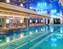 Hotel Alpenrose - Leuchtende Hotel Fotografie von T. Haberland