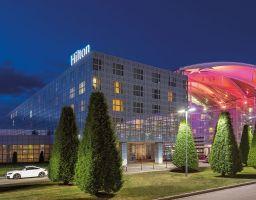 Hilton Airport München - Leuchtende Hotel Fotografie von T. Haberland