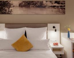 Amper Art - Leuchtende Hotel Fotografie von T. Haberland